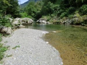 Spiaggia-Diffusa_(c)Malin-Mill_Fiume-Cosizza_Dolina2_Spiaggia-classe-2(a)